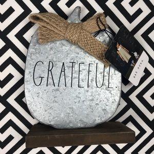 """•Rae Dunn• """"grateful"""" metal pumpkin bow sign"""